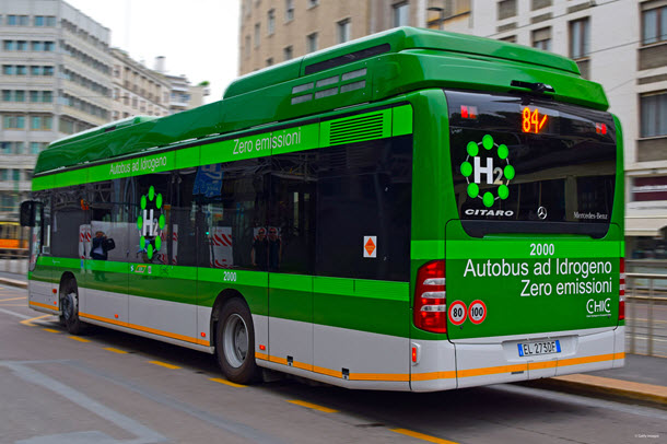 Bus powered by hydrogen fuel